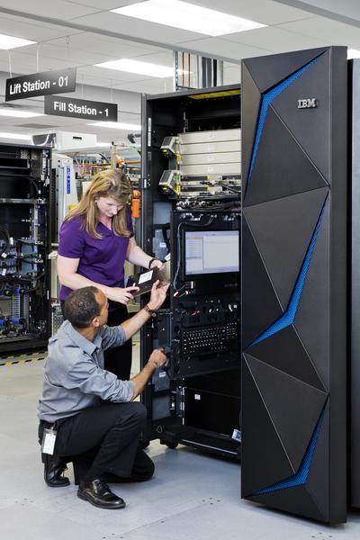 《最后的主机:IBM大型机的大危机 大机工程师你好吗?》