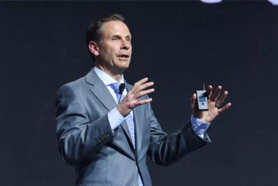 "《AI时代,IBM提出""Watson定律"",助力企业实现""智慧商业""》"