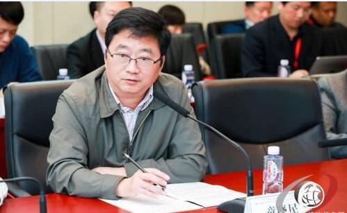 《首届中国国际服务外包行业峰会举行 成立国际服务外包标准委员会》