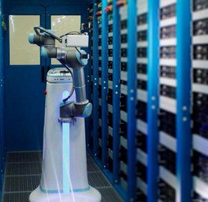 《京东金融发布机房智能巡检机器人》